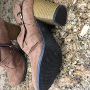 Qupid Shoes - Qupid Booties. Size 5.5